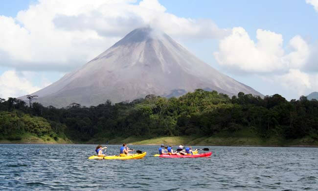 kayaking-on-lake-arenal.jpg