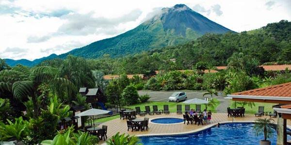 Volcano Lodge & Springs