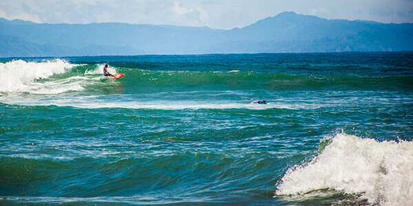 Surfing on the Central Pacific
