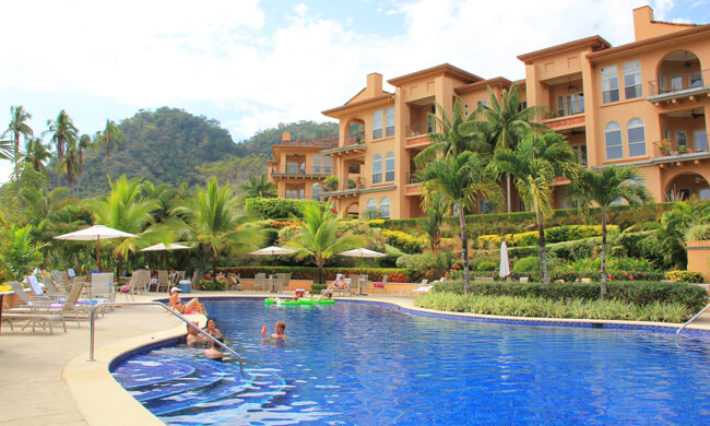 Bella vista condos vacation rental in jaco costa rica for Costa rica vacation homes