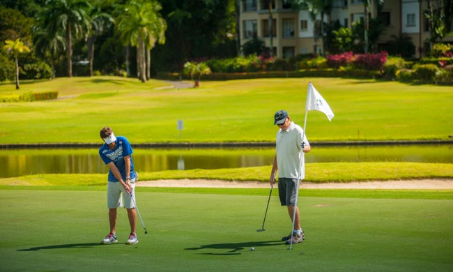 Golf at Los Suenos